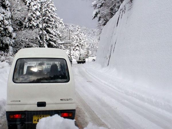 大雪の中の病院出張